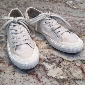 MOSSIMO Canvas Sneakers Sz 7